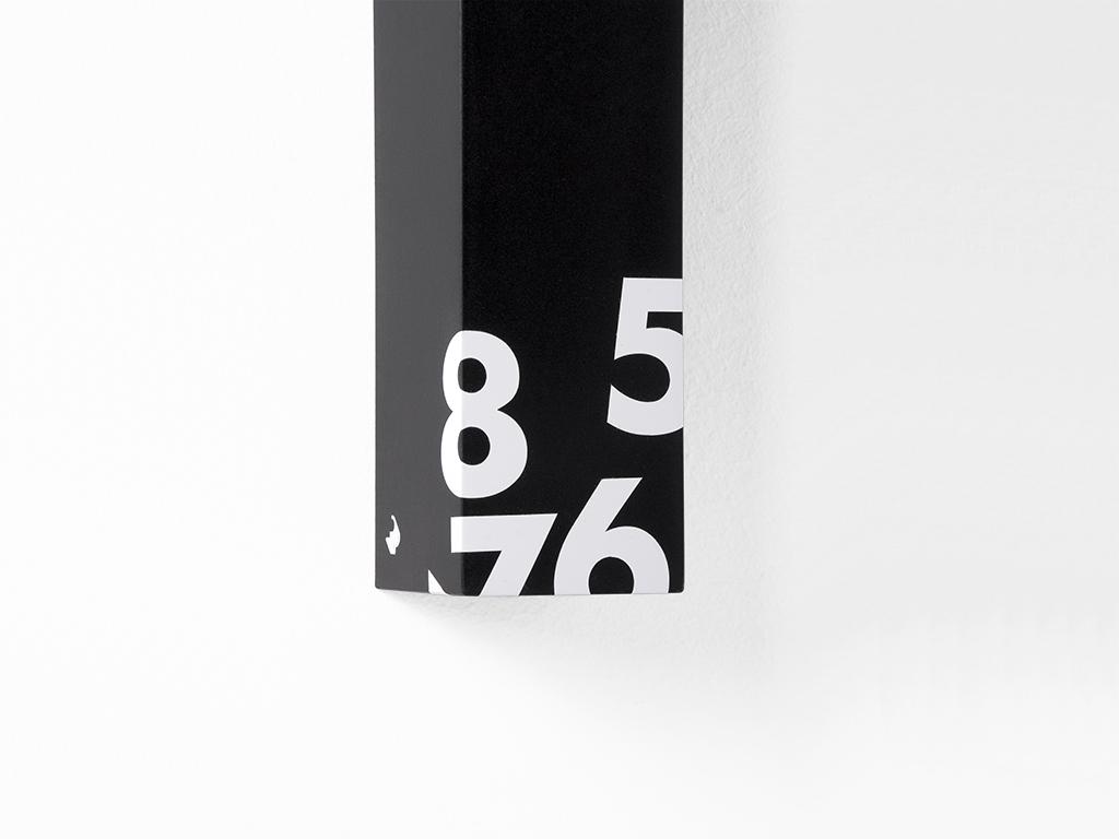 1605 - 2